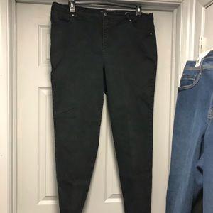 Black Gloria Vanderbilt 18W Jeans/ Pants